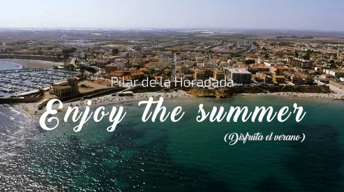 enjoy the summer pilar de la horadada